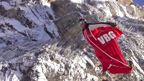 Two Wingsuit Pilots Filmed Their Flight in a Way That Will Astonish You