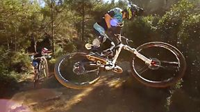 Jeu De Piste Tout-Terrain Pour Les Riders Kilan Bron Et Maurin Trocello | The Steep World of Kilian Bron, Ep. 2