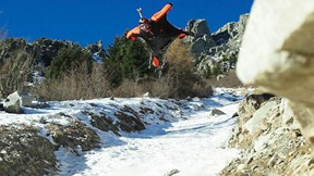 Is this the Closest a Wingsuit Pilot Has Flown to the Ground?