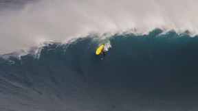 Ramon Navarro Surfs Big Wave Peahi (Jaws) | Los Buscagigantes with Ramon Navarro, Ep. 4