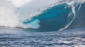 HUUUUUUGE Teahupo'o Strikes Again