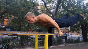 Street Workouts Are Way Harder Than Your Workouts | Barstarzz Freestyle Calisthenics, Ep. 2