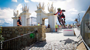 Documentaire Sur La Course City Downhill De Bratislava | City Downhill World Tour 2015