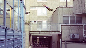 Freerunning over the streets (and roofs) of Amsterdam