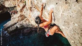 Deep-Water Soloing In Mallorca With Daila Ojeda | #MallorcaGirlsTrip, Ep. 2